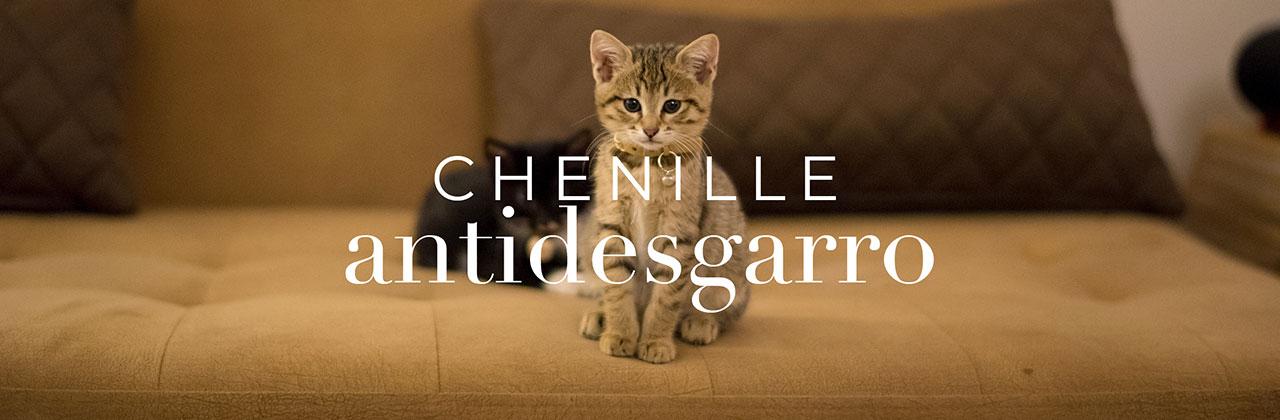 Gato sobre Chenille Antidesgarro